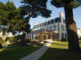 Hôtel Les Costans, The Originals Relais (Relais du Silence), hotel in Perros-Guirec