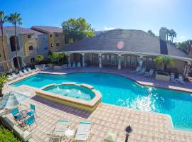 o CHARMING CONDO MINUTES FROM GORGEOUS CLEARWATER BEACHES o, vacation rental in Clearwater