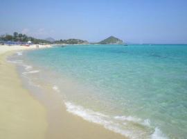 CALA SINZIAS, 150 mt dalla splendida spiaggia, hotel in zona Cala Sinzias, Castiadas
