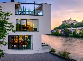 Hotel Burgblick, Hotel in Hochburg-Ach