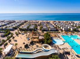 M Home Tconfort 6 Pers PALAVAS 4 ETOILES MER A 50 M, hotel with jacuzzis in Palavas-les-Flots