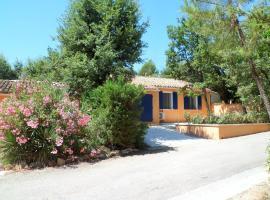 Villa Célestine, hotel in Roussillon