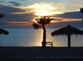 #38 Bungalow Seaside Hotel & Victors RV Park, hôtel à San Felipe