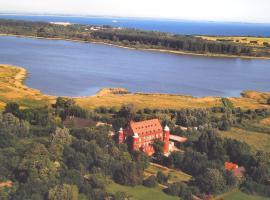 Hotel Schloss Spyker, hotel i Glowe
