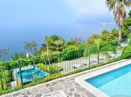 Maiori Villa Sleeps 12 Pool Air Con WiFi, hotel with pools in Maiori