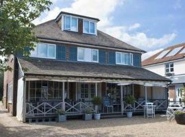 The Beach House, hotel near Chichester Harbor, West Wittering