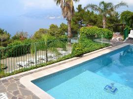 Maiori Villa Sleeps 6 Pool Air Con WiFi, hotel with pools in Maiori