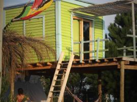 Natural Mystic B&B, glamping site in La Esmeralda