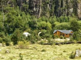 Matapiojo Lodge, luxury tent in Futaleufú