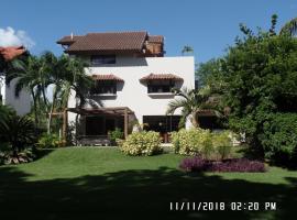 Villa Vivero II - No8, hotel with jacuzzis in La Romana