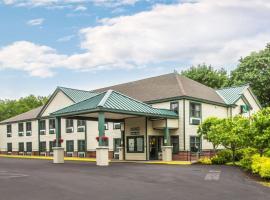 Econo Lodge Glens Falls - Lake George, hotel near Adirondack Outlet Mall, Glens Falls