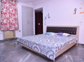 Entire Super Luxury 3 bedroom in Gr Noida near expo mart, apartment in Greater Noida