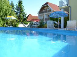 Silatti Panzió-Apartmanház, hotel v destinaci Keszthely