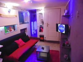 24h Gdynia Mini & Midi Apartament na kod dostępu & free parking & no keys, apartment in Gdynia