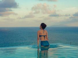 TMS Hotel Da Nang Beach, khách sạn có bồn jacuzzi ở Đà Nẵng