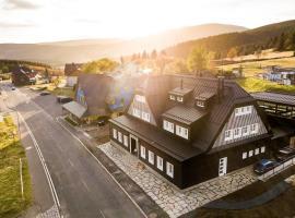 Chata Hradečanka, hotel near Kulak Paark, Horní Malá Úpa