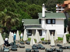Beachwood Villas, отель в Мармарисе