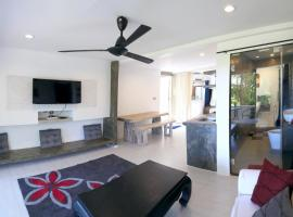 ''chaweng modern villas'' studio 2, serviced apartment in Chaweng