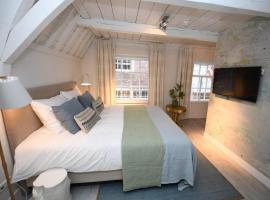 Hotel 't Fnidsen, hotel near National Biermuseum, Alkmaar