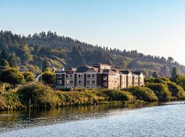 Comfort Suites Columbia River, hotel in Astoria