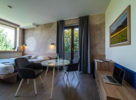 Hotel Gardenia, hotel in Romano Canavese