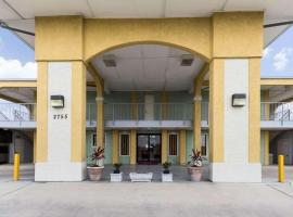 Econolodge Inn & Suites Downtown Northeast, motel in San Antonio