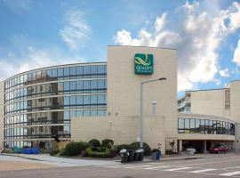Quality Inn and Suites Oceanfront, hotel in Virginia Beach