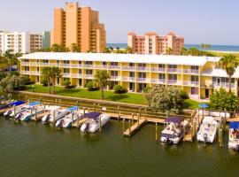 Treasure Bay Resort & Marina, hotel near Treasure Island Golf Tennis Recreation Center, St Pete Beach