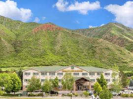 Quality Inn & Suites On The River, accessible hotel in Glenwood Springs