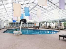 Clarion Hotel & Conference Centre Pembroke, hotel em Pembroke
