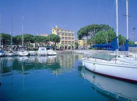 Hotel Vittorio, hotel en Desenzano del Garda
