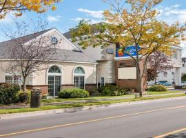Comfort Inn Lakeside - Mackinaw City, motel in Mackinaw City