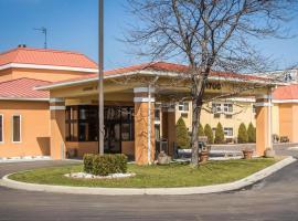 Quality Inn & Suites, hotel near Sarnia Chris Hadfield Airport - YZR, Port Huron