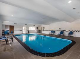 Comfort Inn & Suites Crystal Inn Sportsplex Gulfport, hotel near Gulfport-Biloxi International Airport - GPT, Gulfport
