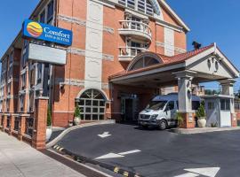 Comfort Inn & Suites LaGuardia Airport, hotel near Grand Avenue – Newtown, Queens