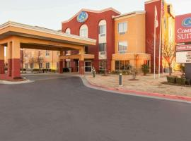 Comfort Suites Central / I-44, hotel in Tulsa