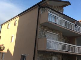 Apartment Zdenka, hotel in Split
