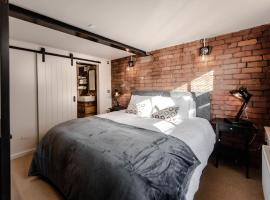 Home At The Mill Call to Book, apartment in Stockport