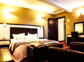 Mbayaville Hotel, hotel in Douala