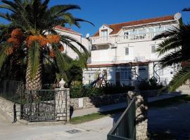 Apartments Srijemsi, hotel in Mlini