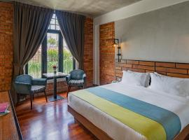 Treasures Hotel and Suites, hotel near A'Famosa Resort, Malacca