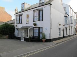 Stone's Throw Guest House, B&B in Weymouth