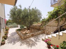 Apartments with a parking space Marusici, Omis - 1131, apartment in Mimice