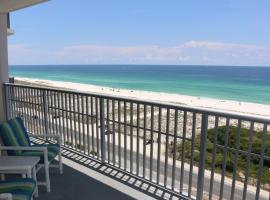 1030 - Large Balcony with Direct Views of the Gulf, hotel in Pensacola Beach