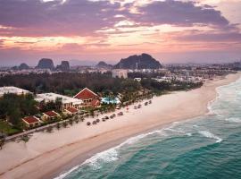 Sandy Beach Non Nuoc Resort, hotel near Non Nuoc Stone Carving Village, Da Nang