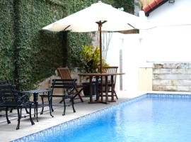 Little Creek Lodge, hotel with pools in Malang