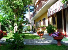 Albergo Villa Lorena, hotel in Forte dei Marmi