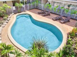 Comfort Inn Cairns City, motel in Cairns