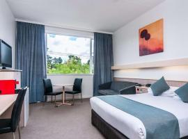 Comfort Inn Regal Park, hotel near Castle Plaza Shopping Centre, Adelaide