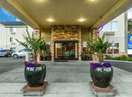 Comfort Inn & Suites Redwood Country, hotel in Fortuna